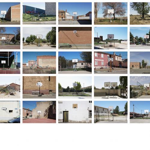 """Archivo Territorio. Proyecto """"In corpore sano"""" (Canastas). 188,2x482 cms. (58 fotografías de 29,7x42 cms.) 2016-2020."""