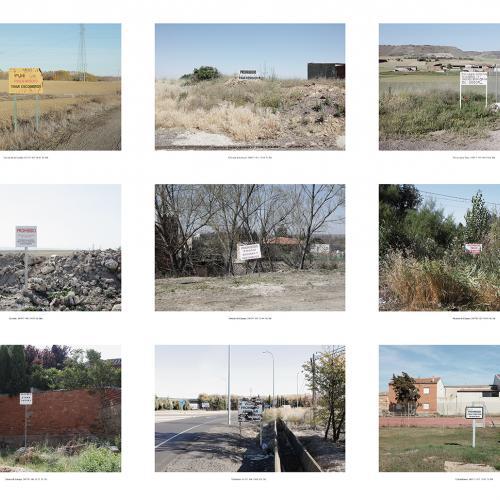 """Archivo Territorio. Proyecto """"Geografía"""" (Prohibido tirar escombros, Tierra de Campos y Cerrato, Palencia y Zamora), 93,1x306 cms. (21 fotografías de 29,7x42 cms) 2016-2020."""
