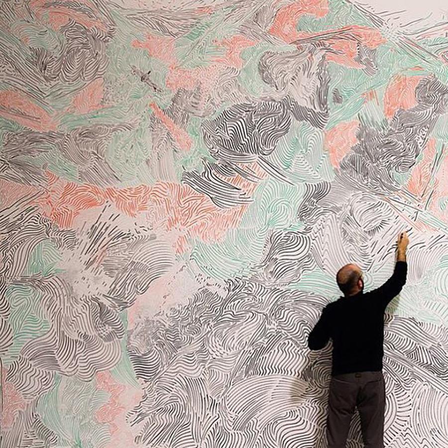 Autor: José Medina Galeote Año: 2011 Técnica: Acrílico sobre muro Medidas: 400 m2 Título: artista invisible dispara CAC Málaga