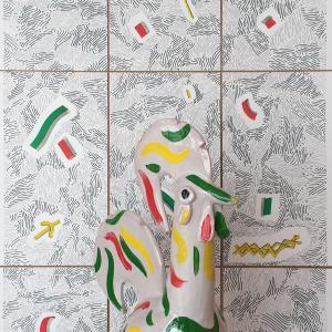 Título: Lisboa Escultura. Cerámica granadina policromada a mano. Año: 2018 Medidas: 50 x 30 x 30 cm.